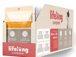 Amazon Brand – Lifelong Complete pet food for adult cats – Meat in Jelly Selection, 2.4 kg (24 pouches x 100g)